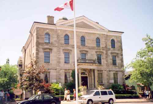 View of the Niagara District Courthouse – 2002
