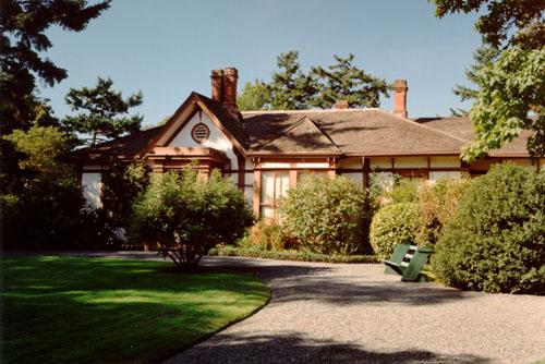 Front (east) elevation, 2000