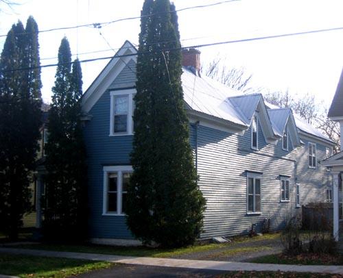 332 Saunders Street